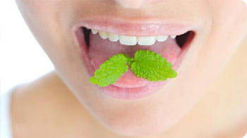 Eliminating bad breath with mint
