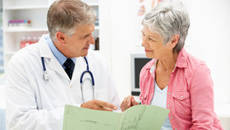 Patient discuss health with a doctor